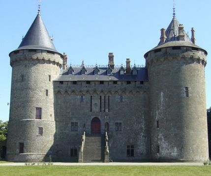 Gite de la bouessiere tourisme le chateau de combourg for Piscine de combourg